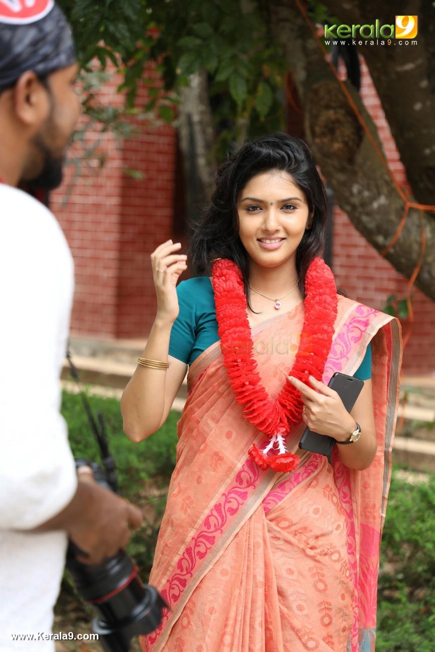 kala viplavam pranayam movie gayathri suresh photos 125