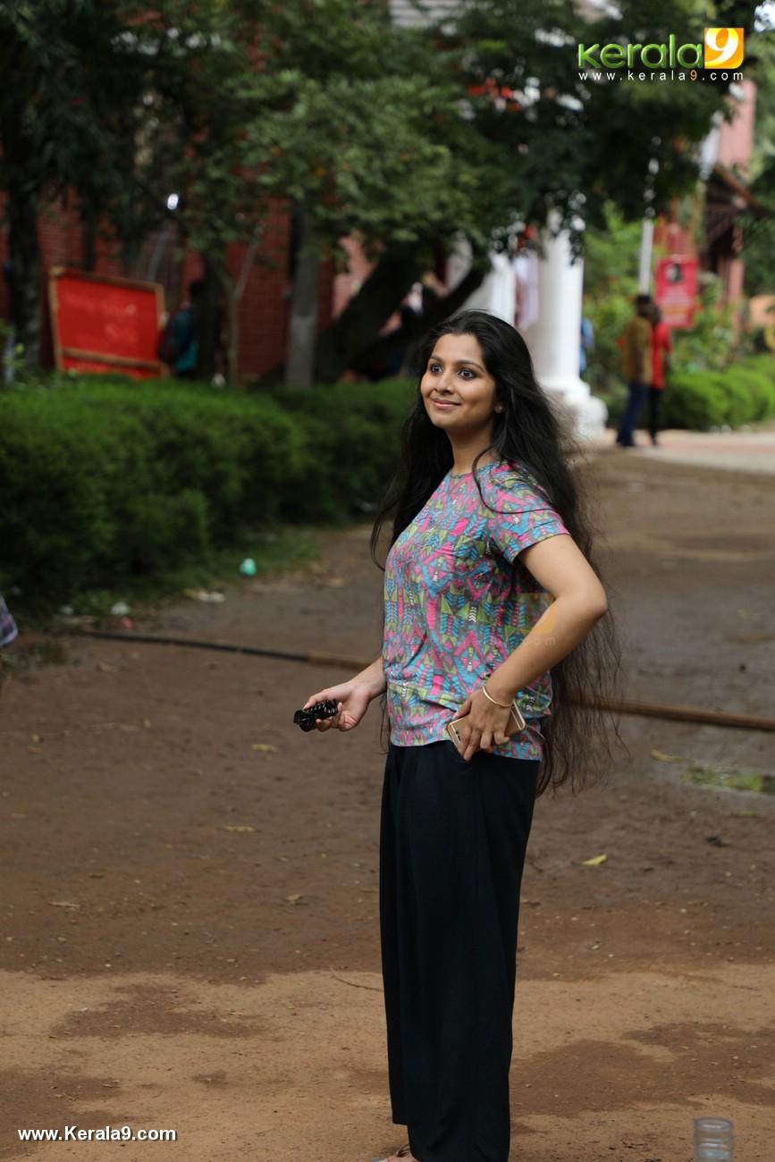 kala viplavam pranayam movie niranjana anoop photos 128 002