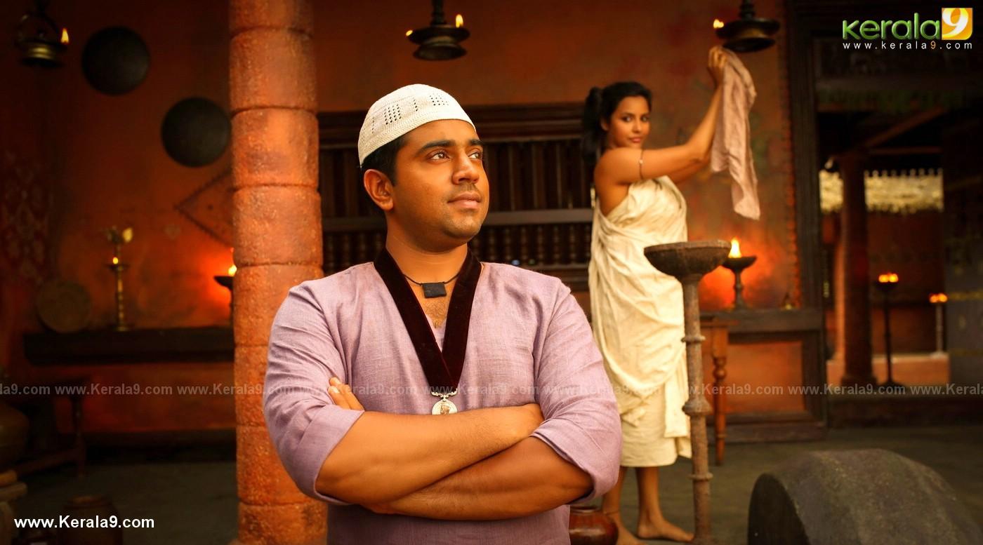 nivin pauly in kayamkulam kochunni movie stills