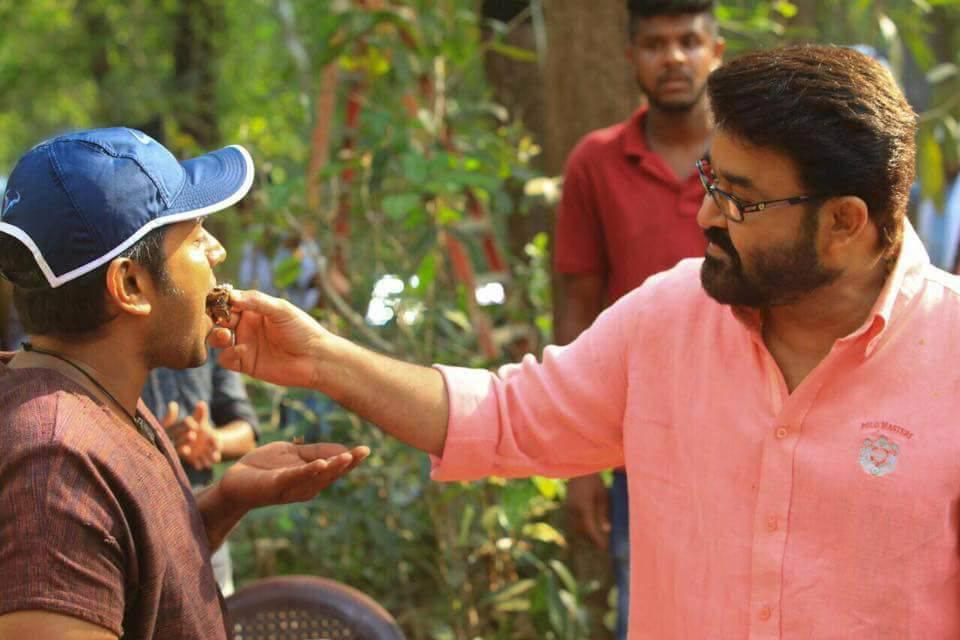 mohanlal at kayamkulam kochunni movie location photos