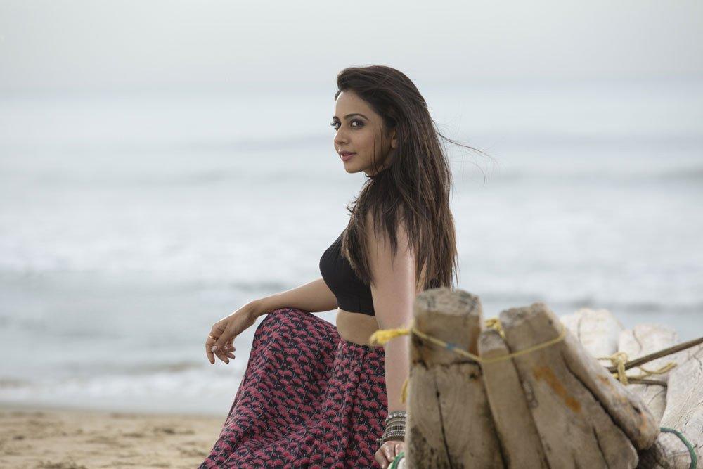 khakee tamil movie rakul preet singh photos 129 007