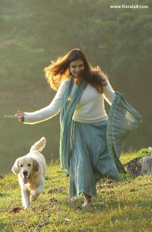 nazriya nazim koode movie images