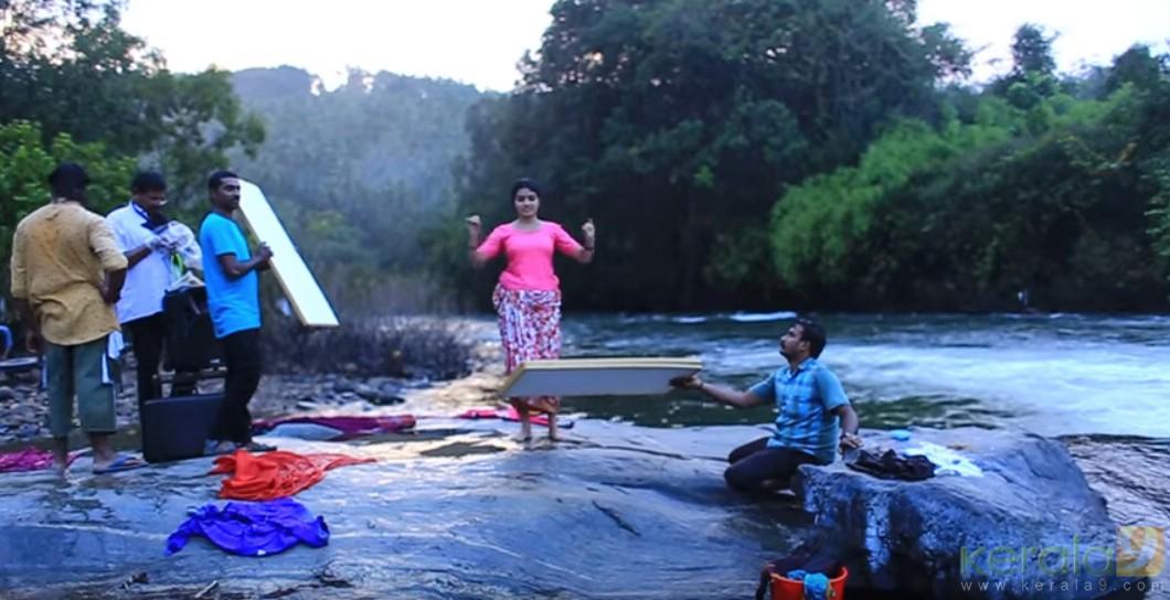 kunjiramante kuppayam actress linda kumar dance accident photos  001