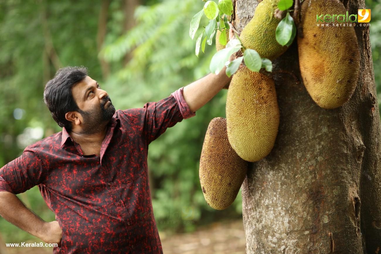 kuttanpillayude sivarathri movie stills  008