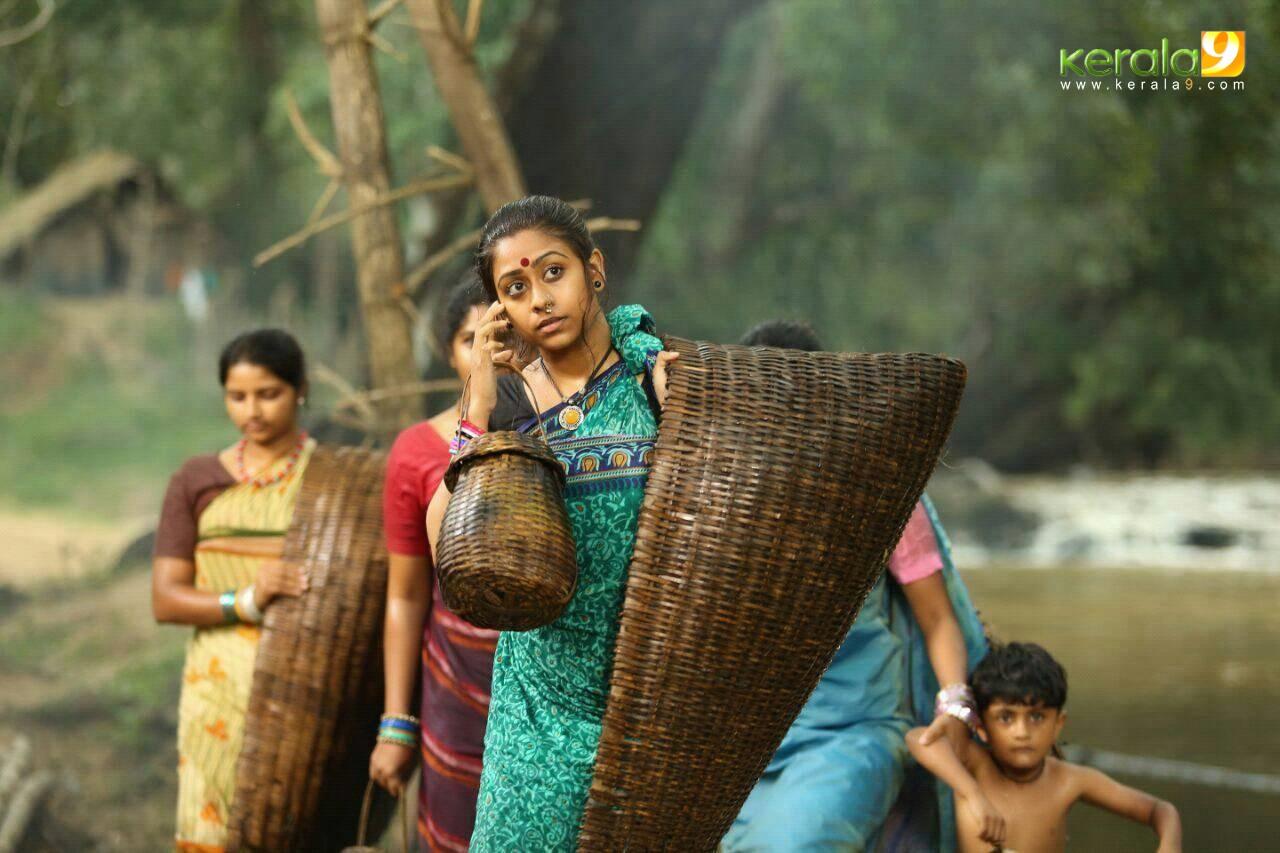 mayil malayalam movie photos  005