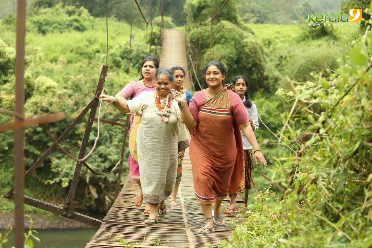 mayil malayalam movie stills  001