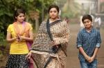munthirivallikal thalirkkumbol movie pics 147