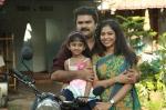 munthirivallikal thalirkkumbol movie stills 100 00