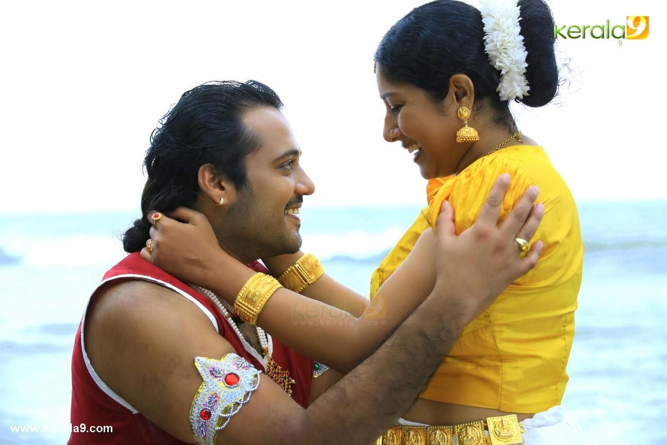 nilavariyathe movie stills 008
