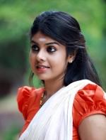 nilavariyathe malayalam movie stills 000 009