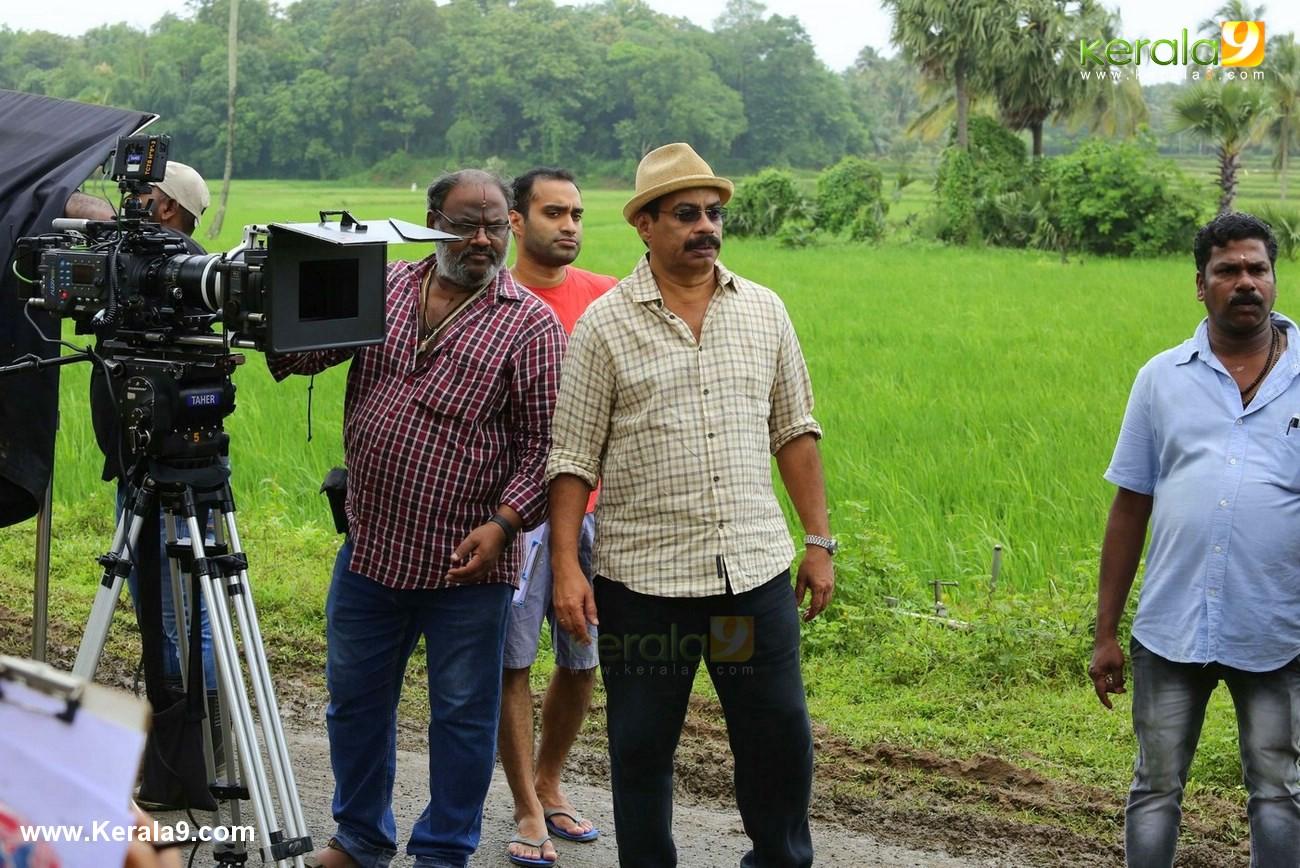 njan prakashan movie stills  11