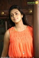 oru indian pranayakadha amala paul photos 00