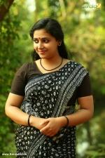 actress anu sithara in oru kuprasidha payyan movie stills 3