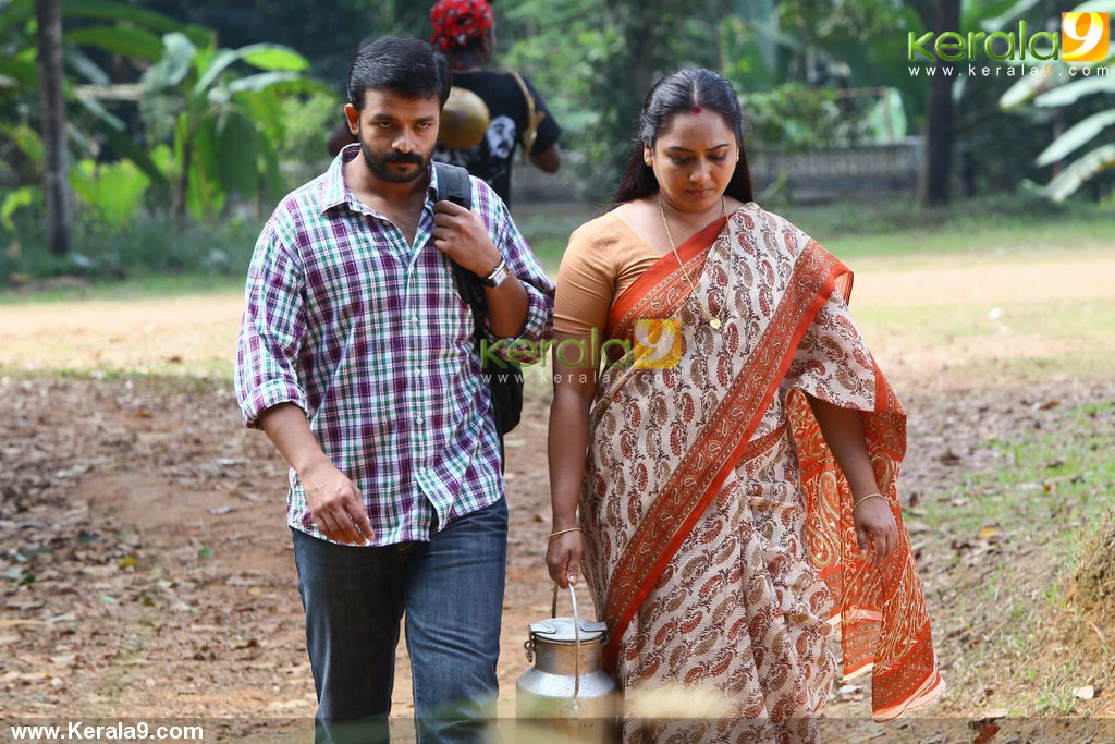 3129pigman malayalam movie jayasurya stills 04 0