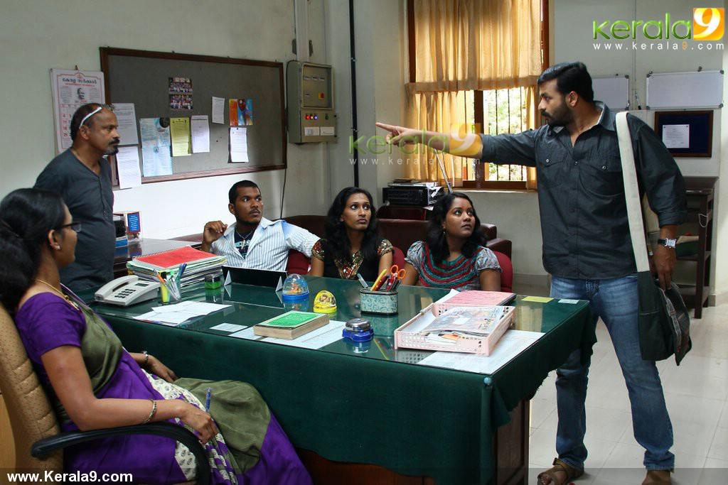 5296pigman malayalam movie jayasurya stills 04 0