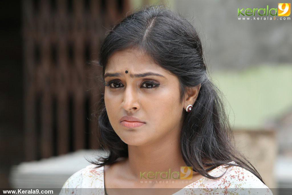 8301pigman malayalam movie photos 01 0