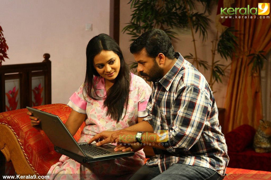 9791pigman malayalam movie jayasurya stills 04 0