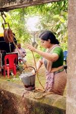 pinneyum malayalam movie kavya madhavan stills 119