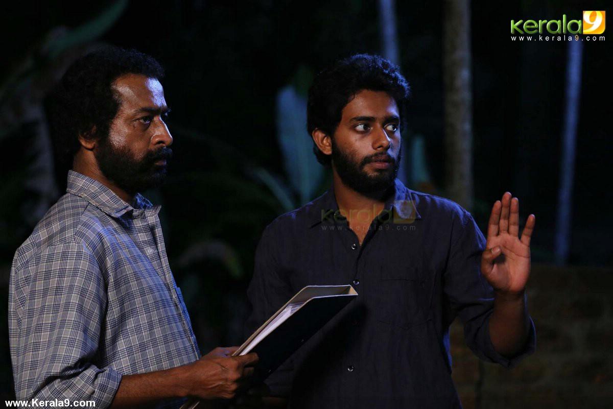 queue malayalam movie photos 007
