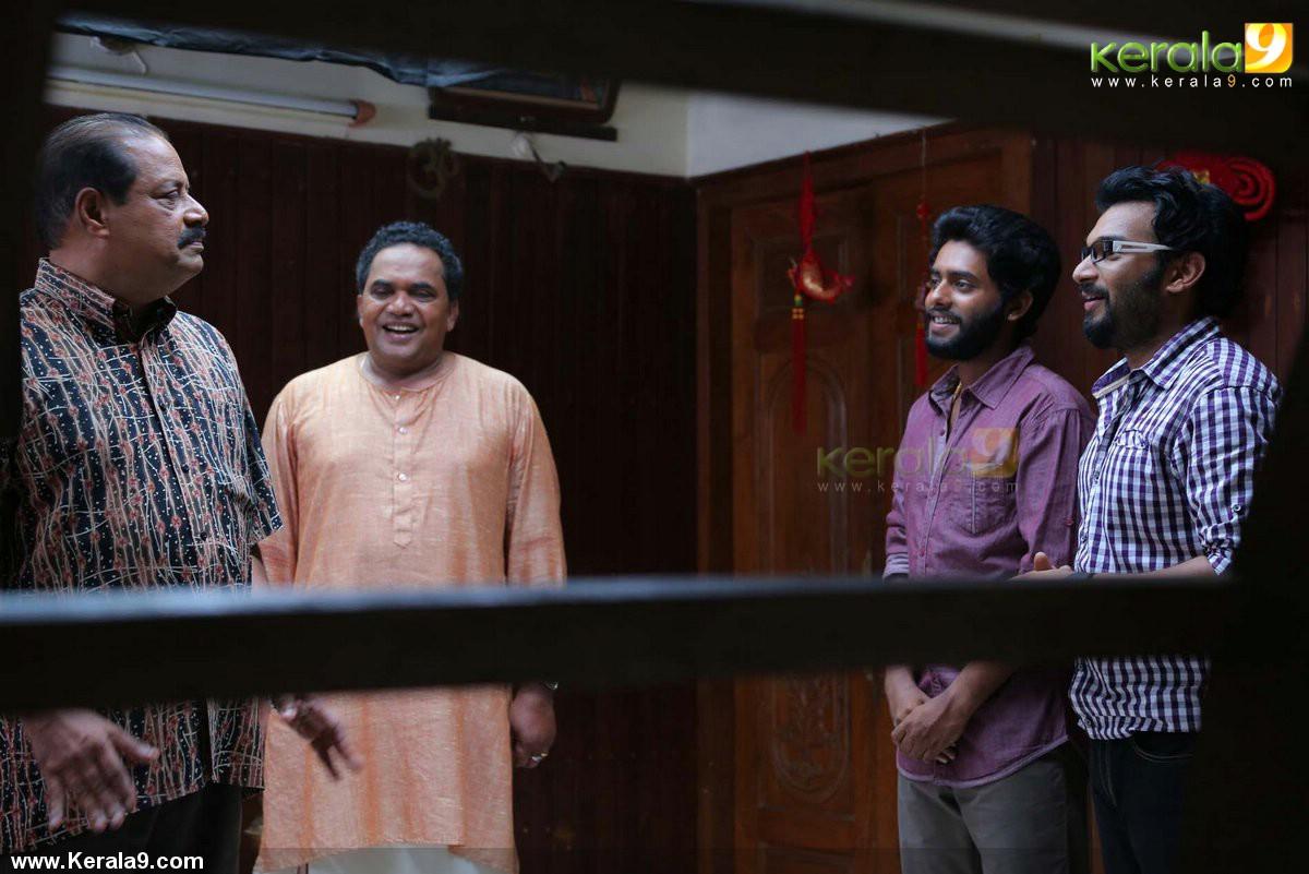queue malayalam movie pictures 002