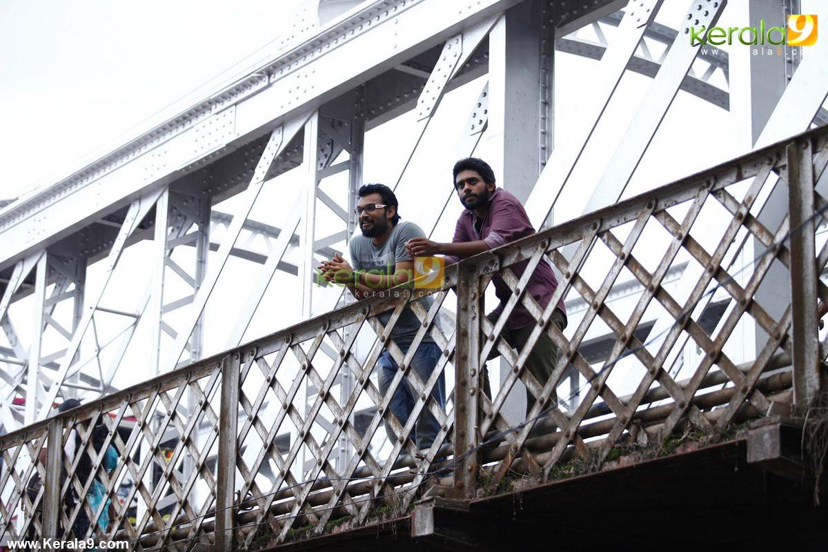 queue malayalam movie stills 031