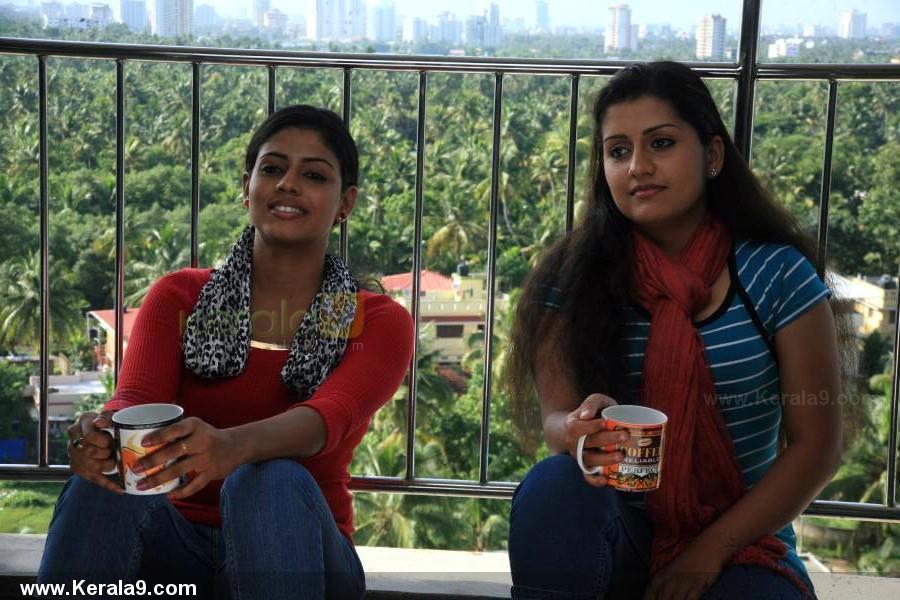 4268iniya radio malayalam movie photos