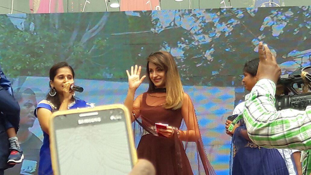 saamy square tamil movie photos 11