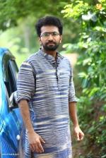 sakhavinte priyasakhi malayalam movie shine tom chacko pics 443 001