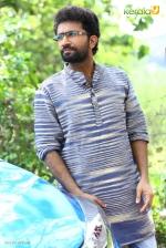 sakhavinte priyasakhi malayalam movie shine tom chacko pics 443 004
