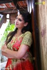 sakhavinte priyasakhi movie neha saxena photos 120 002