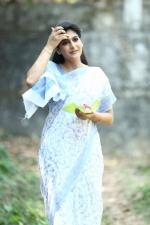 sakhavinte priyasakhi movie neha saxena stills 129 001