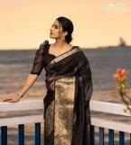 aditi-ravi-photos-in-saree-hd-001
