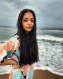 ahaana-krishna-latest-pics-in-beach-photos-02-003