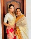 ahaana krishna new onam saree photos-001