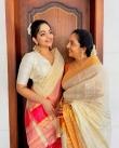 ahaana krishna new onam saree photos-003