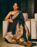 ahana-krishnakumar-new-photos-in-black-saree-04