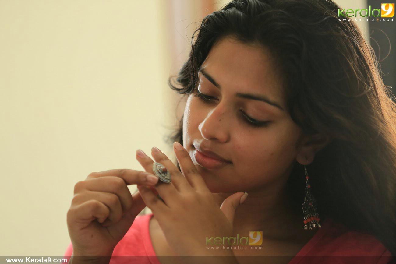 mili-malayalam-movie-amala-paul-pics-05236