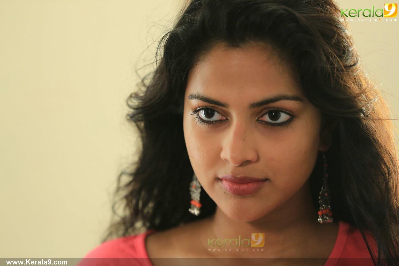 mili-malayalam-movie-amala-paul-pics-05335