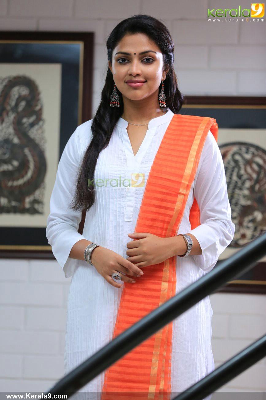 mili-malayalam-movie-amala-paul-pics-05782