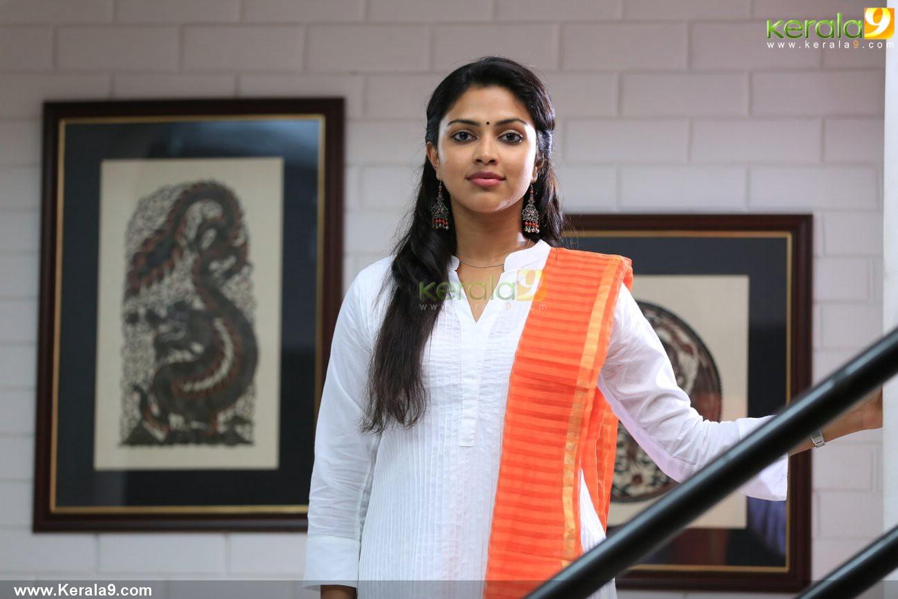 mili-malayalam-movie-amala-paul-pics-05873