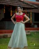 Anikha-surendran-new-onam-2021-photoshoot-002