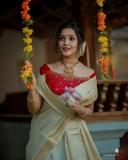 Anikha-surendran-new-onam-2021-photoshoot-004