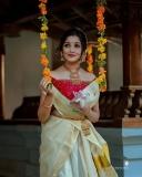 Anikha-surendran-new-onam-2021-photoshoot-005