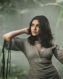 anikha-surendran-latest-photoshoot-in-modern-dress-001