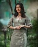 anikha-surendran-latest-photoshoot-in-modern-dress-003