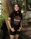 anikha-surendran-new-photoshoot-in-black-shorts