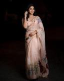 actress-anjali-latest-stills-002
