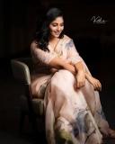 actress-anjali-latest-stills-004