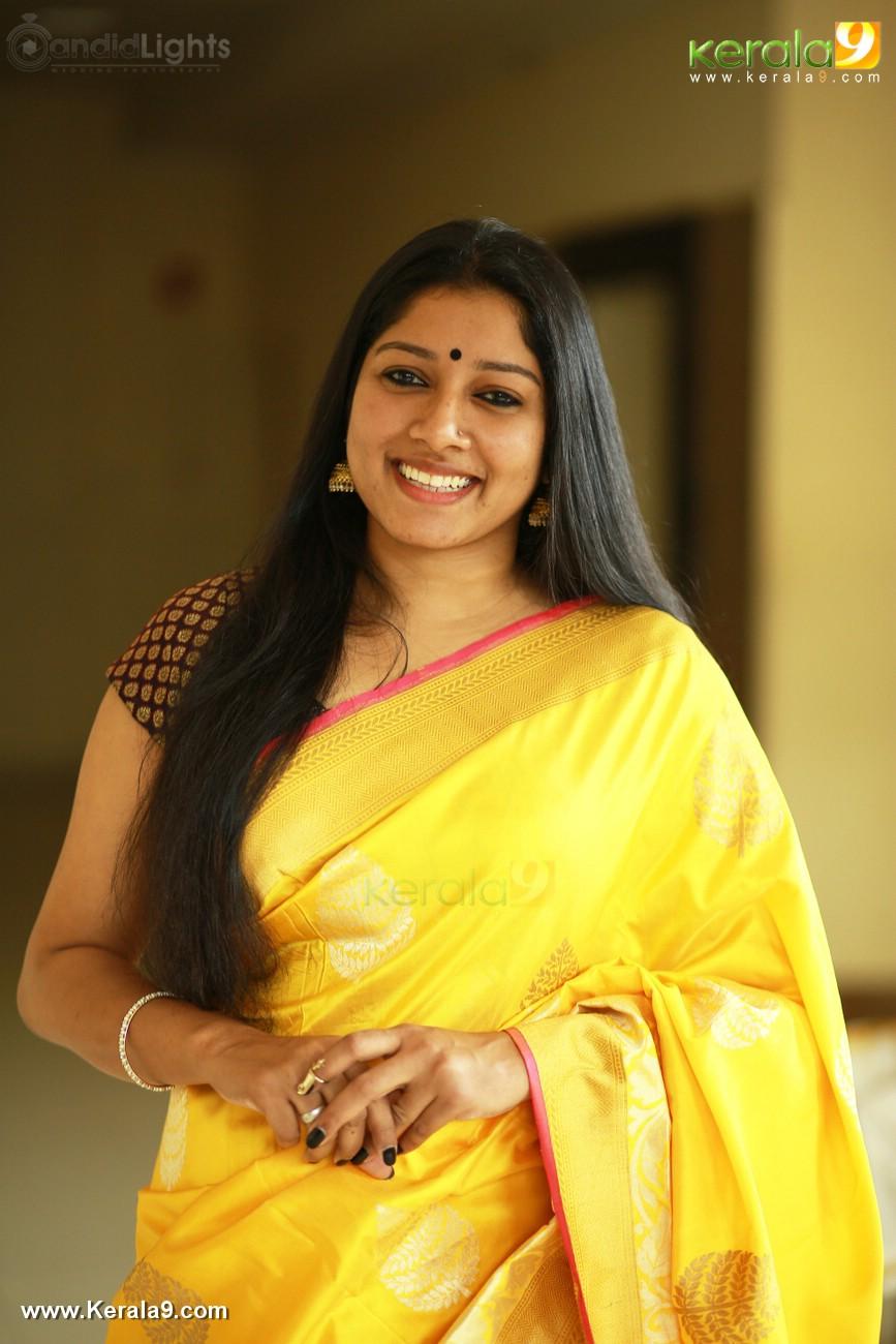 actress-anumol-latest-photos-01051