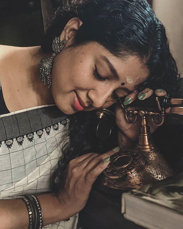 actress anumol new photos 0421-004